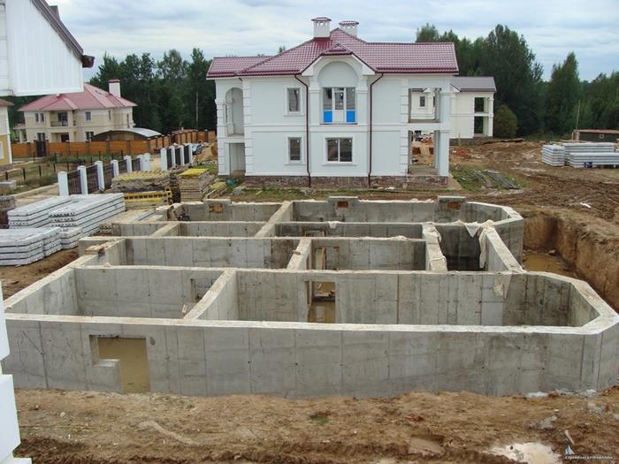 фундамент под дом с цокольным этажом