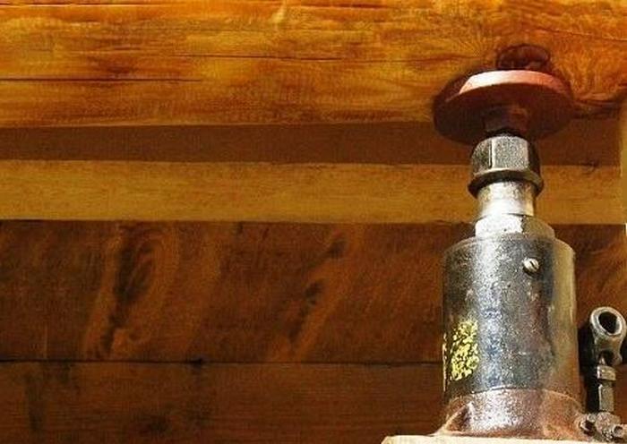 как поднять фундамент старого дома