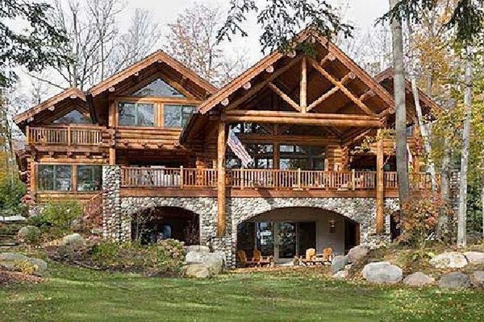 дома из дерева и камня фото