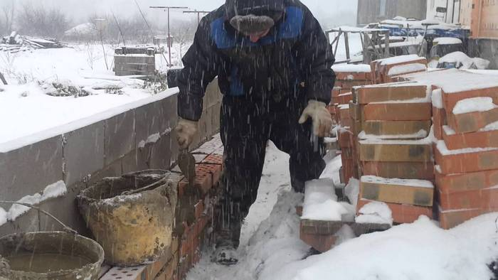 кладка кирпича в зимнее время