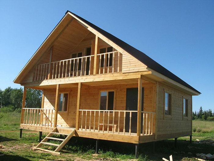 строительство домов из бруса с мансардой