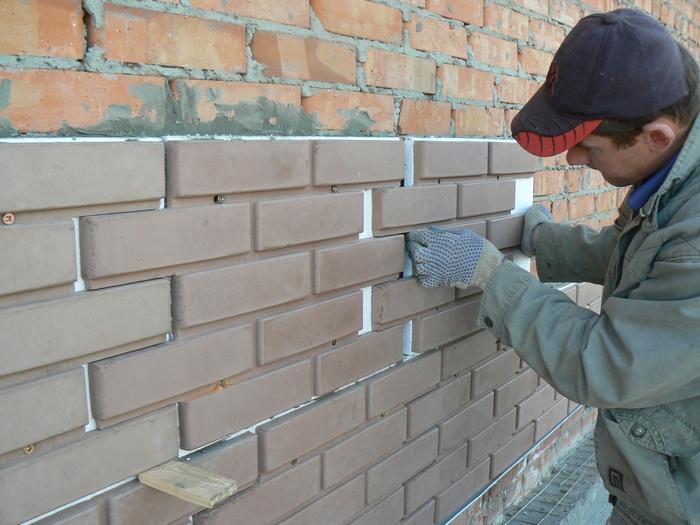 облицовка домов панелями под камень