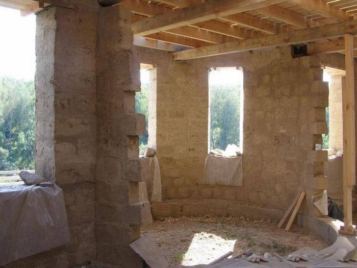 как построить саманный дом