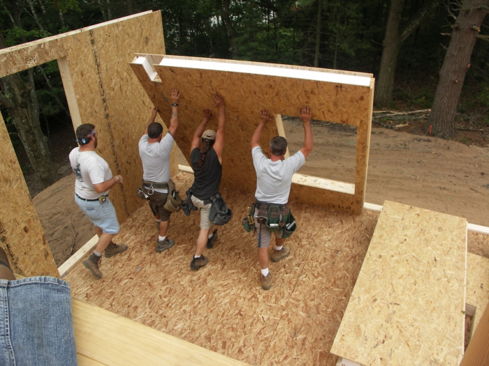 построить дом из сэндвич панелей