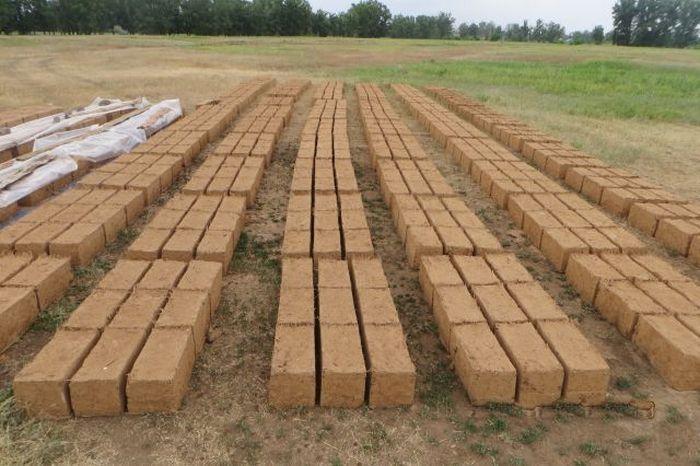 как построить глинобитный дом