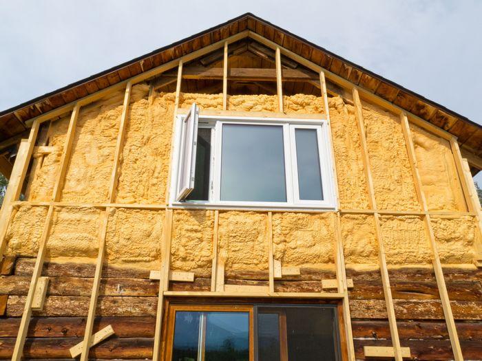 как сайдингом обшить деревянный дом