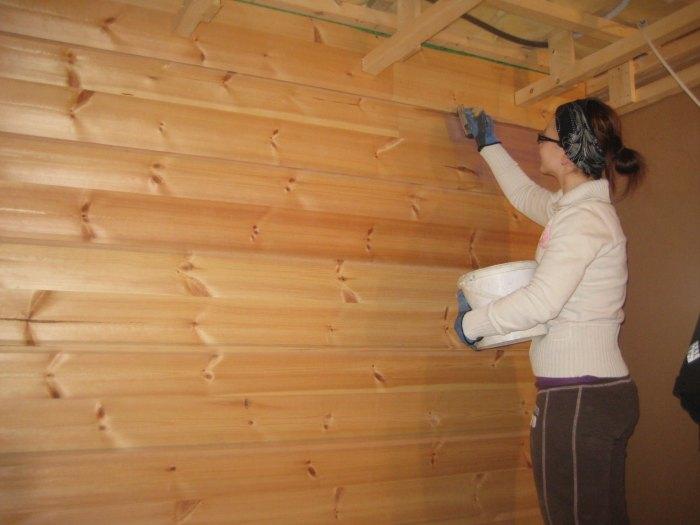 покраска деревянного дома снаружи цена за м2