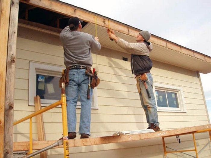 как обшить сайдингом деревянный дом