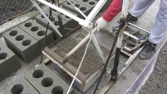Блоки своими руками форма