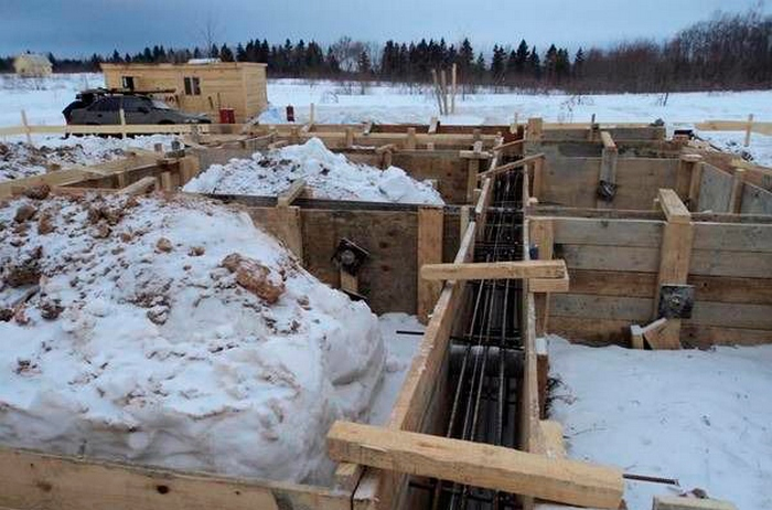 как сделать фундамент зимой