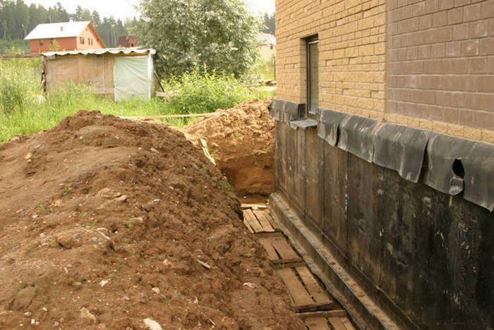 как поднять фундамент дома