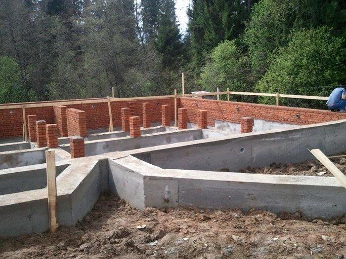 фундамент дома на склоне