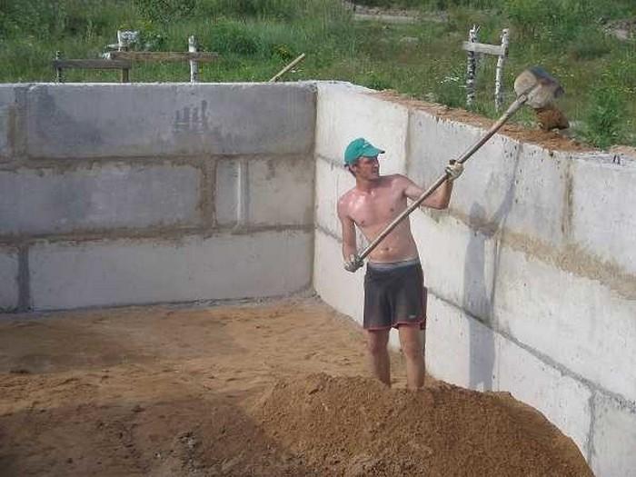 строительство фундамента из блоков фбс