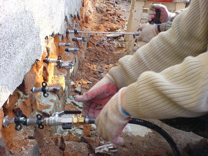 гидроизоляция кирпичной кладки от фундамента