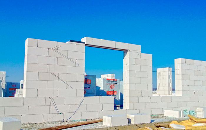 стоит ли строить дом из газобетона