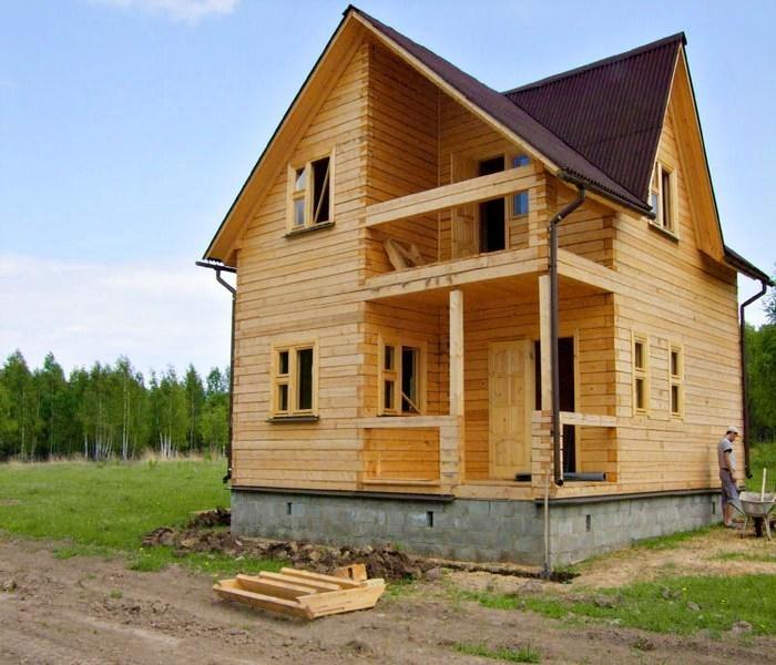 что лучше дом из бруса или каркасный