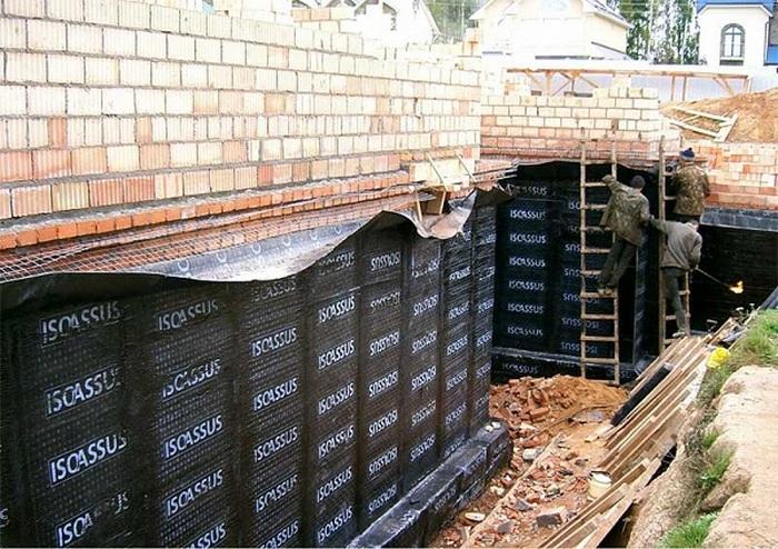 гидроизоляция кирпичной кладки стены
