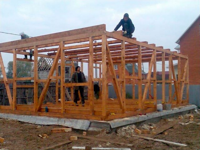 строительство летних домиков своими руками