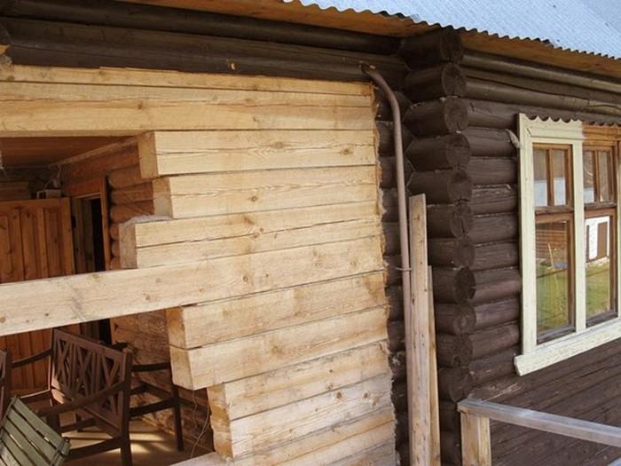 из чего построить пристройку к деревянному дому