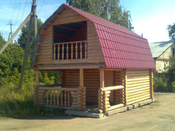 дом бревенчатый с мансардой