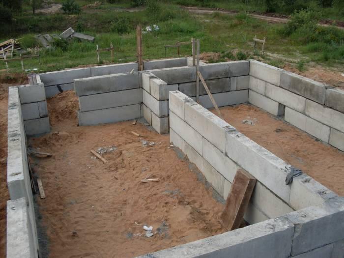 как построить цокольный этаж