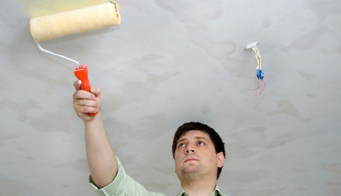 технология окрашивания потолка
