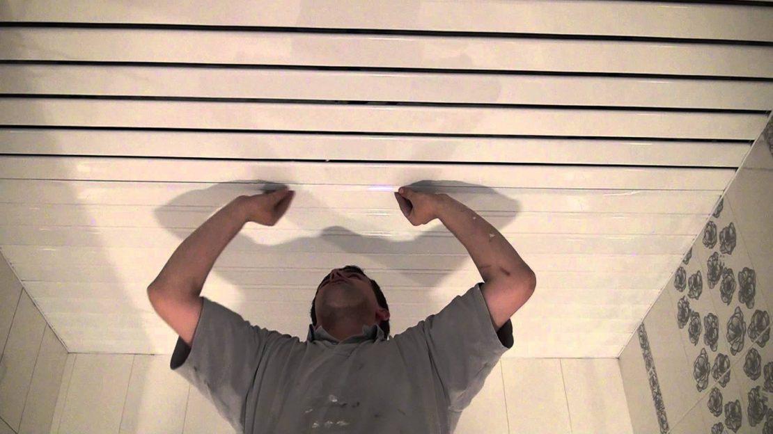 Реечный деревянный потолок с подсветкой своими руками