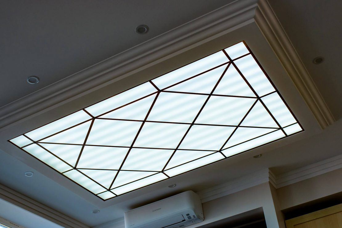 классический стеклянный потолок