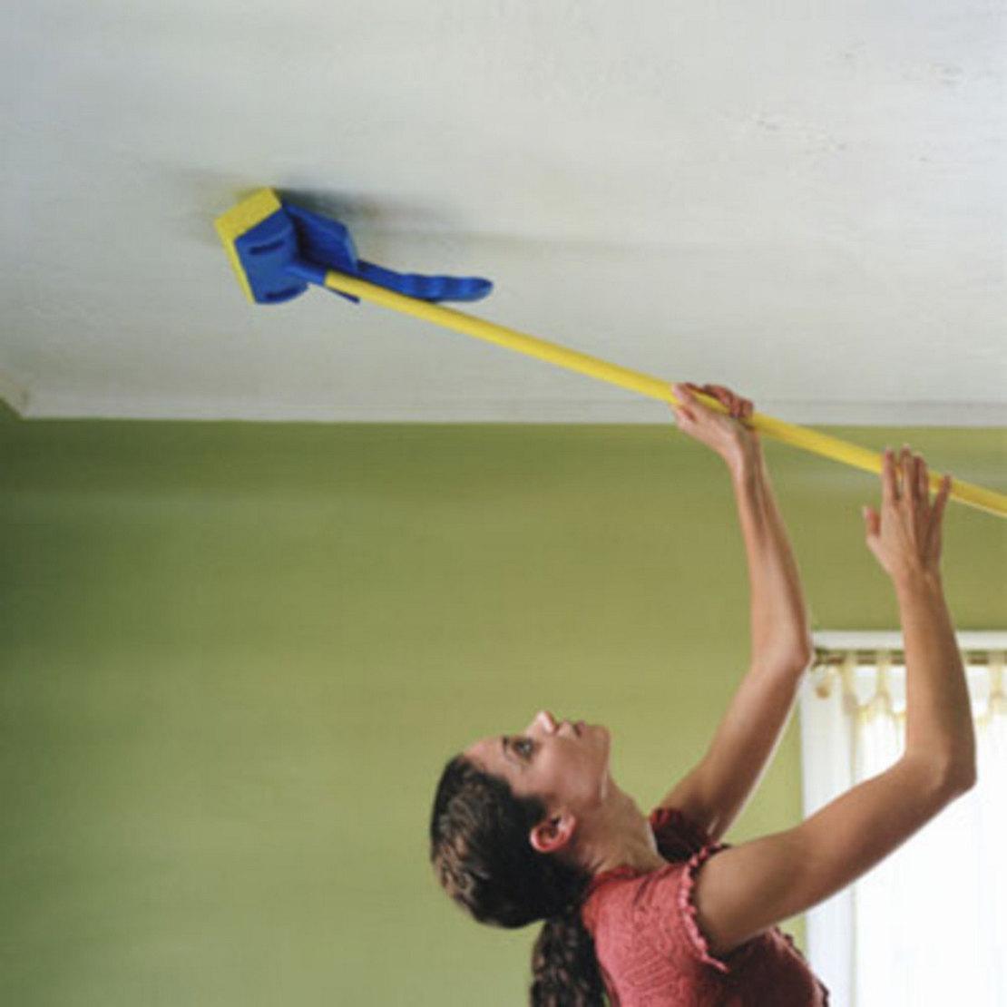как помыть потолочную плитку