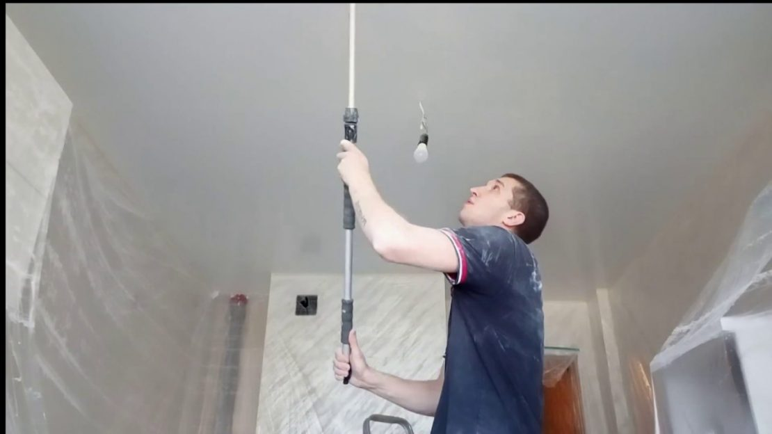 Чем и как покрасить гипсокартонный потолок своими руками