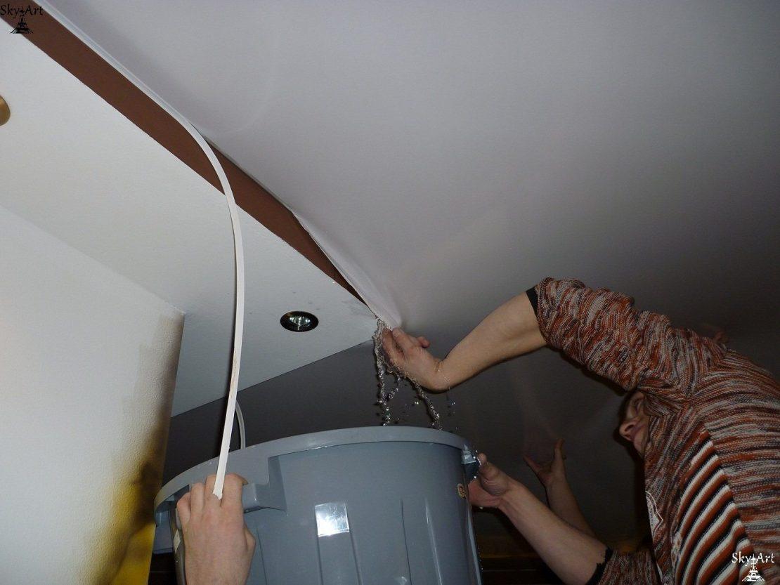 особенности восстановления натяжных потолков
