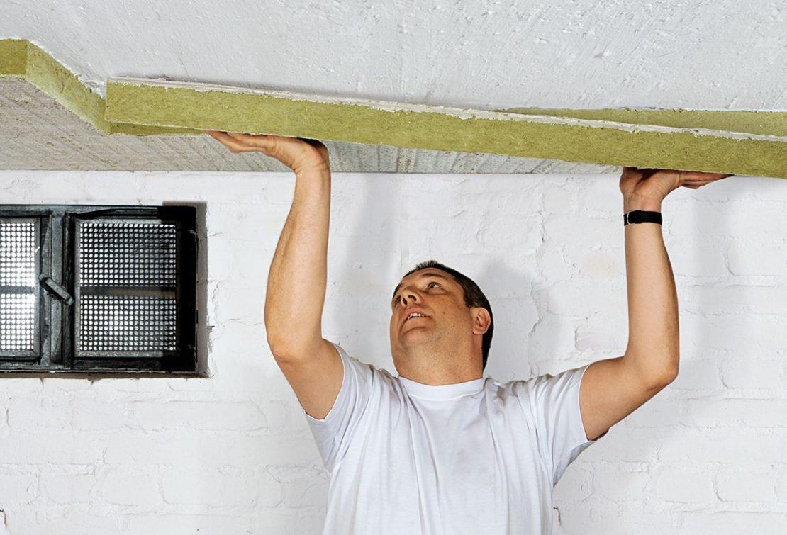 установка изоляции на потолок