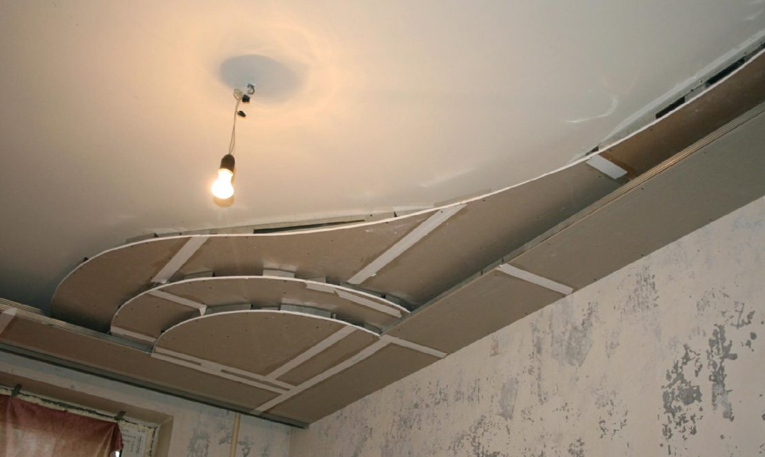 ремонт подвесных потолков из гипсокартона