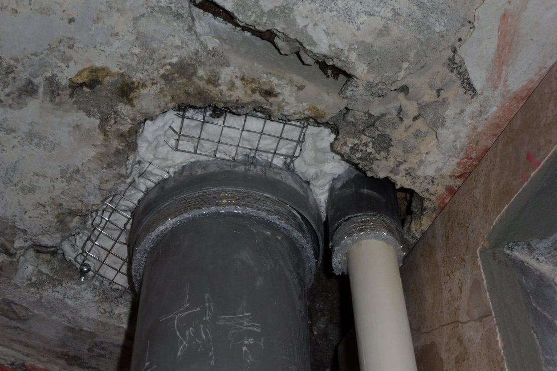 заделка отверстий в бетонных потолках